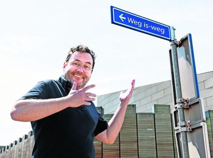 Rob Rijkse heeft een aantal originele straatnamen bedacht voor de 'Humorwijk'.