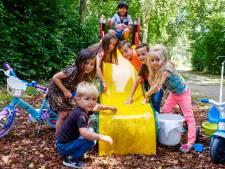 Kinderen en ouders hopen op speelpleintje in Mijdrecht 'Er is alleen een glijbaantje en die is kapot'
