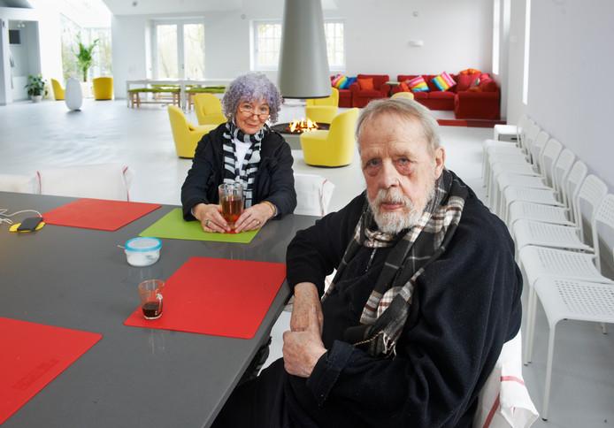 Striptekenaar Børge Ring uit Overlangel.  met zijn vrouw Joanika.
