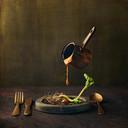 Een beeld uit de reeks 'Germination', een fotoreeks rond gedroogde bonen. De reeks won verschillende internationale prijzen en was ook te zien in Denemarken.