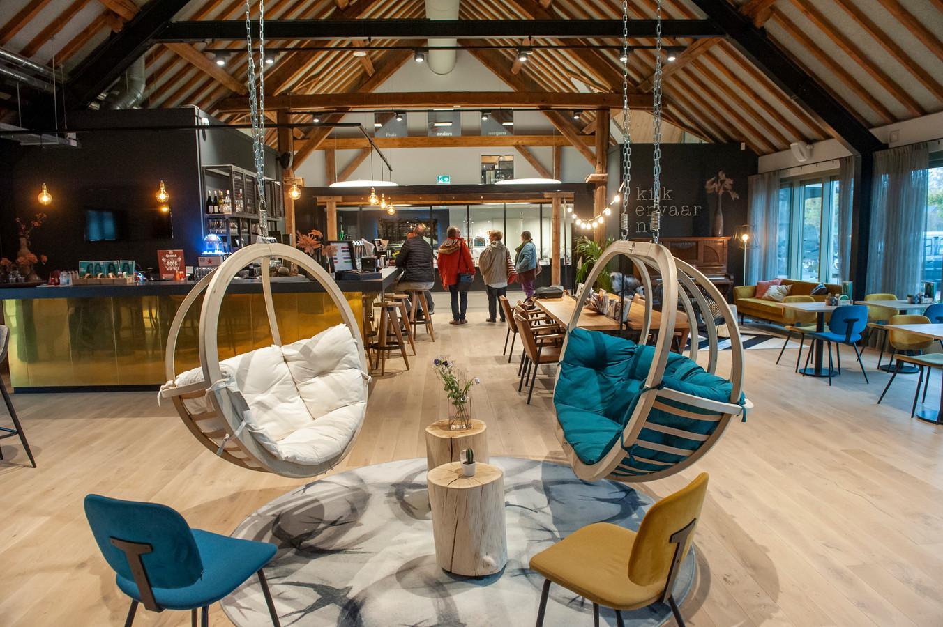 Een deel van het cultuurcafé in cultureel centrum De Voorste Venne in Drunen.