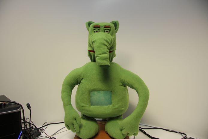 Probo, een sociale robot die kinderen met autisme als doelgroep heeft. Gemaakt door onder andere professor Bram Vanderborght van de Vrije Universiteit Brussel.