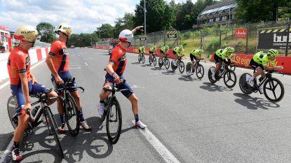 Teams bereiden ploegentijdrit voor in Zolder, Lotto in Ronquières