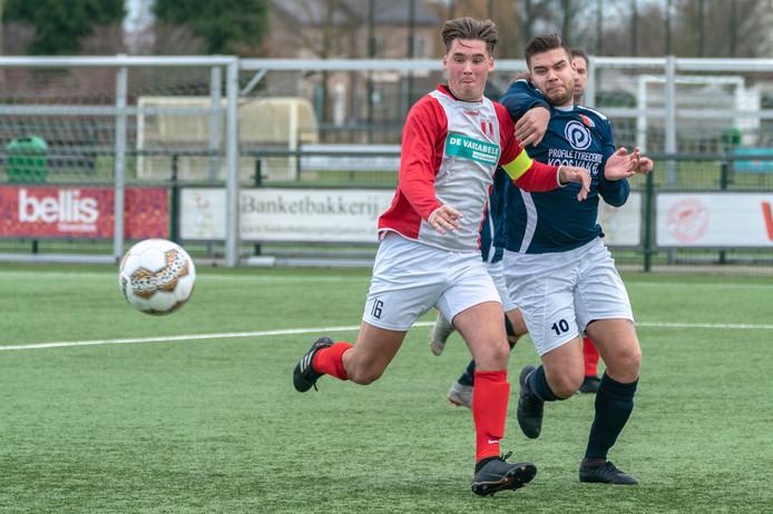 Luuk Geerlings (16), hier in actie tegen Driel, scoorde twee keer voor DVOL.
