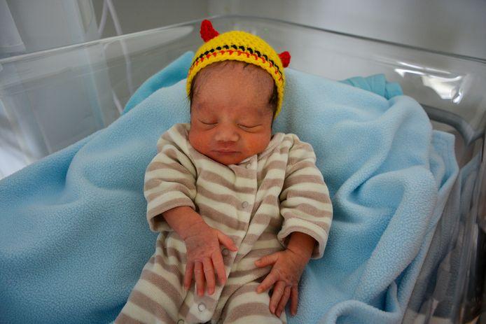 Les sages-femmes de cet hôpital gantois crochètent des bonnets pour chaque occasion spéciale. Une adorable attention pour les nouveaux parents.