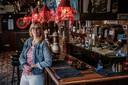 Sonja Papenborg  in café Wacht am Rhein.