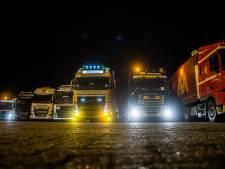 Truckers protesteren tegen verplichte 'opsluiting', 'Wij zitten al de hele dag in deze cabine'
