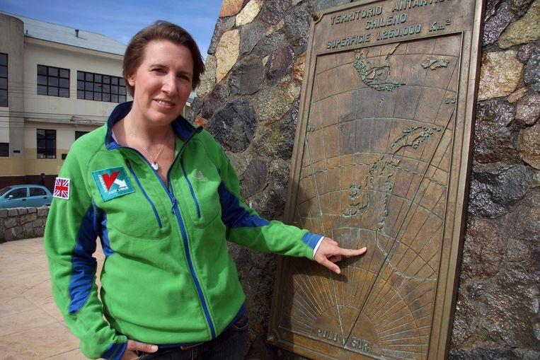 Felicity Aston in november in Punta Arenas, Chili, vanwaar een vliegtuigje haar naar Antarctica bracht. Beeld AP