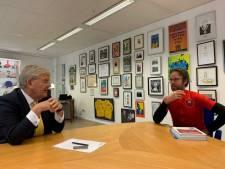 Wielerfanaat en schrijver Laurens fietst naar Den Haag om met 'Jan van de gemeente' over Utrechts/Haagse tourstart te praten