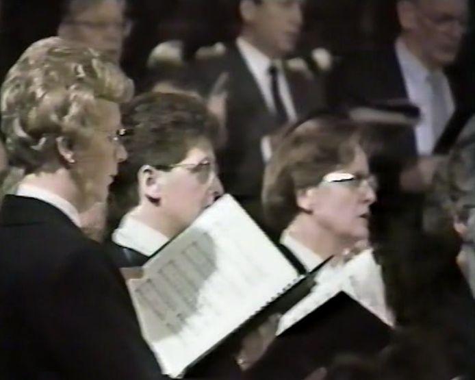 Het koor tijdens de nachtmis in het Moergestel van 1987