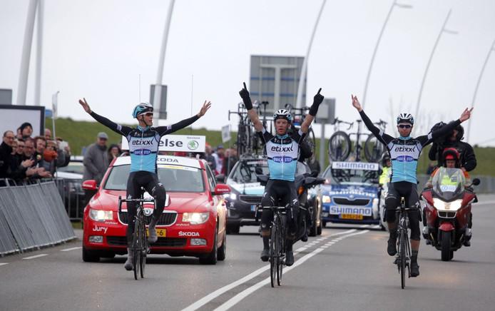 Archief: De Belg Iljo Keisse (midden) kwam in 2015 als winnaar over de streep in Terneuzen.