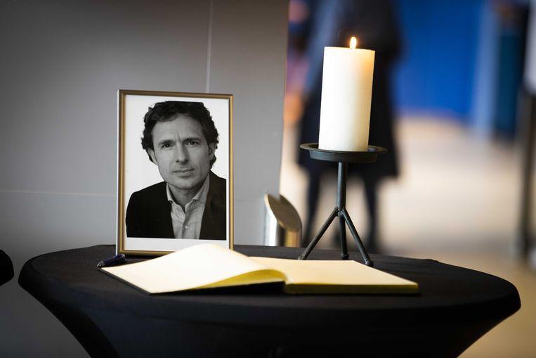 Condoleanceregister voor de neergeschoten advocaat Derk Wiersum. Beeld ANP