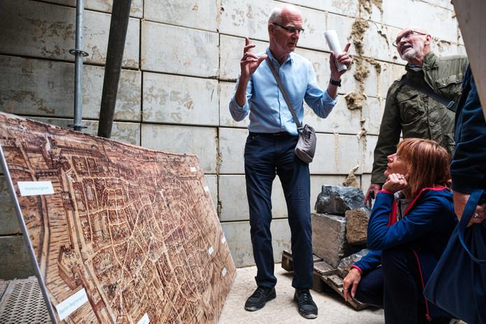 In het kader van de archeologische dagen mogen mensen vandaag uitzonderlijk de werkzaamheden onder het Operaplein bezichtigen.