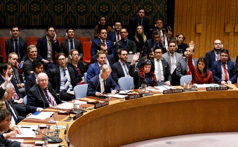 Bijeenkomst van de Veiligheidsraad van de VN over de gifgasaanval van afgelopen week in Syrië. Beeld epa