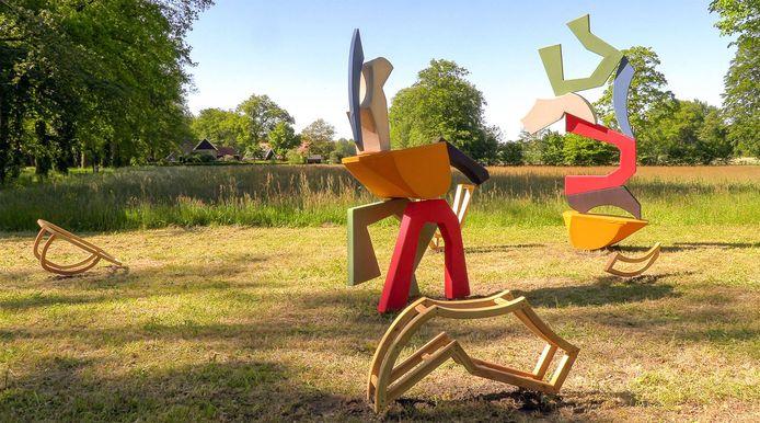 De kunstwerken voor het Textiel Festival bij de Wendezoele.