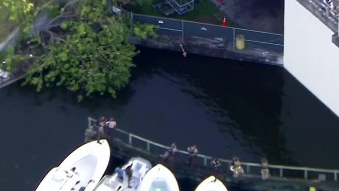 Crimineel springt in rivier en kan geen kant meer op. Politie schiet hem dood