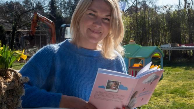 """""""De Roze Prikballon is een no-nonsens dagboek met een positieve boodschap"""", zegt Ann (39) die met haar boek het taboe van Ann haar IVF-zwangerschap wil doorprikken."""