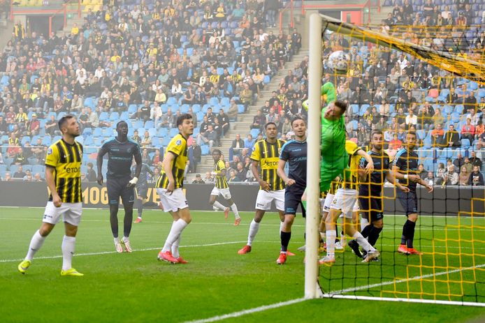 Het vroege hoogtepunt van de wedstrijd: de goal van Mats Seuntjens.