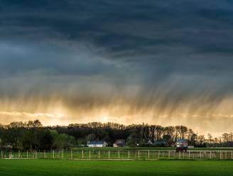 Onstuimige zondag met buien, onweer, hagel en rukwinden: KMI kondigt code geel af