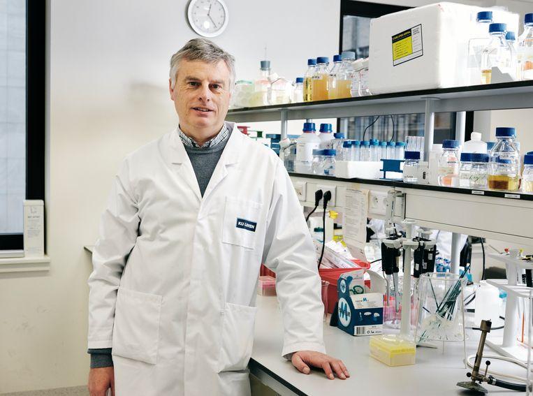 Viroloog Johan Neyts van het Leuvens Rega-instituut, dat met de Gates-stichting samenwerkt voor virusremmers.   Beeld Joris Casaer