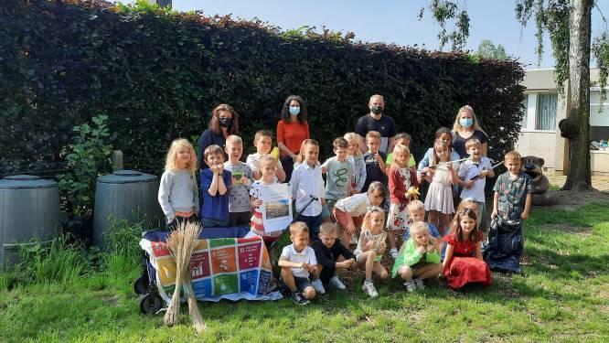 Scholen krijgen compostvat, bolderkar en educatief materiaal cadeau om mee te werken aan beter milieu