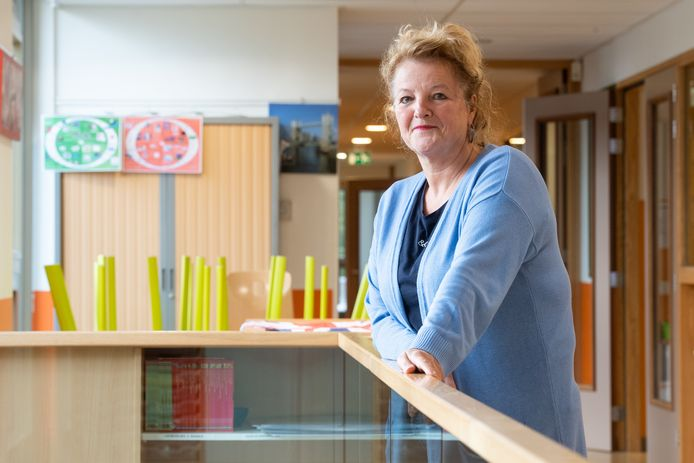 Directeur Annette de Wit van basisschool Het Noorderlicht in de Hoge Vucht in Breda.