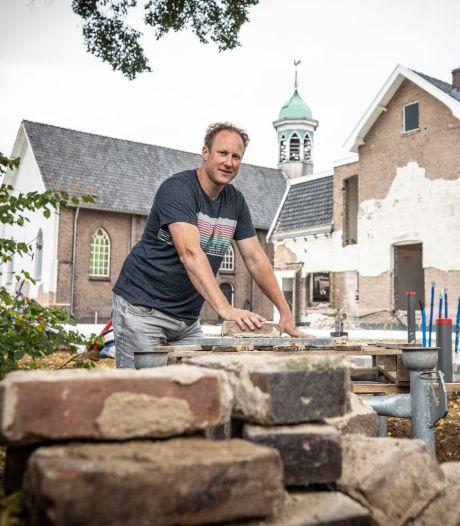 Parochiehuis in Overdinkel krijgt nieuwe bestemming, dat is aan Marco Bergsma wel besteed