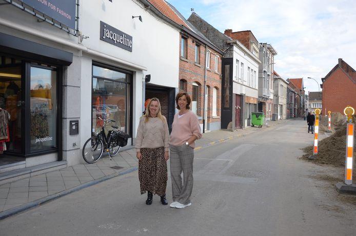Martine Van Hecke en Marion Mettewie van Boetiek Jacqueline in de Brugstraat.