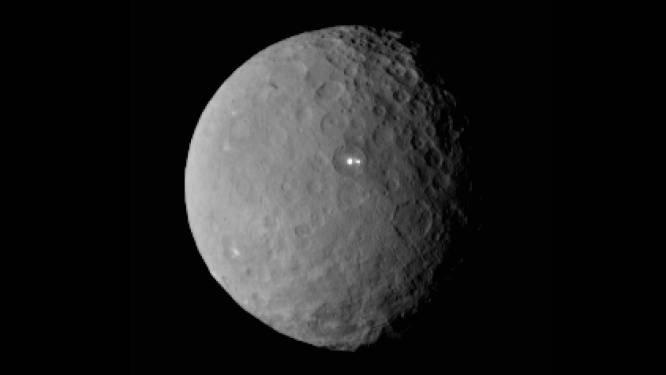 Wetenschap staat voor raadsel: mysterieus licht op dwergplaneet Ceres