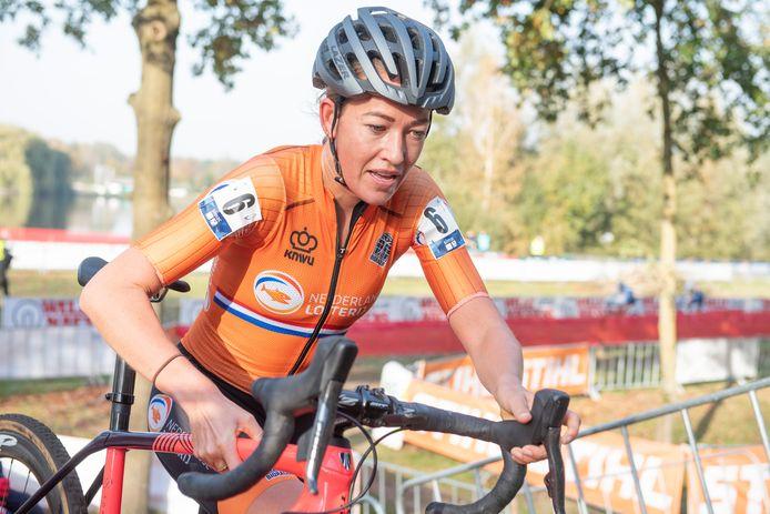 Sophie de Boer in actie tijdens het EK.