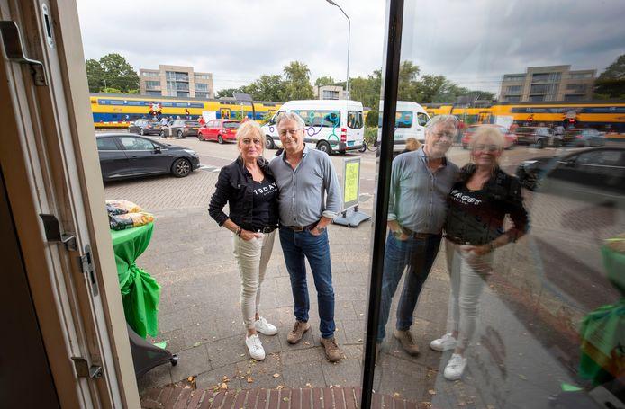 Vanaf 1 januari 2022 bestaat natuurvoedingswinkel Van Voorst & Hardeman van Rien en Lisette Hardeman niet meer. De sluiting van de spoorwegovergang aan de Kerkweg in Ede - en een tunnel waar nog niet eens zicht op is - zijn de redenen.