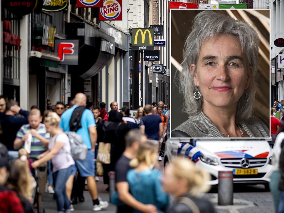 Hordes (dag)toeristen in Amsterdam vorig weekend. Inzet: Marion Koopmans.