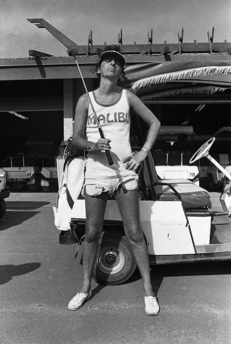 Alice Cooper op de golfbaan in 1975. Beeld Redferns