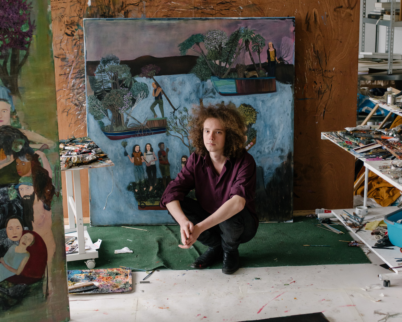 Bram Demunter: 'Ik werk traag. Onder een afgewerkt werk zitten meestal twee of drie andere schilderijen.' Beeld Kevin Faingnaert