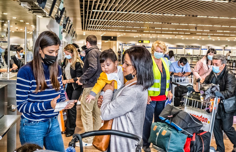 In Brussels Airport wordt het weer wat drukker. Beeld Tim Dirven