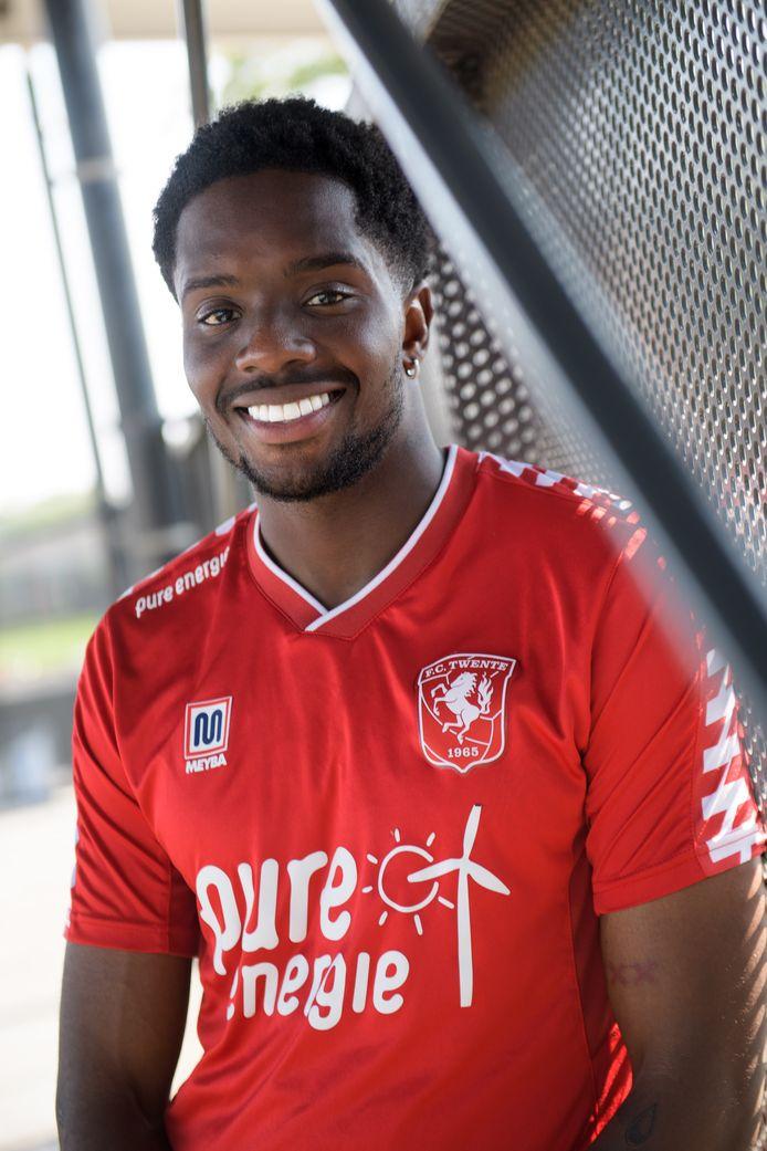 Queensy Menig is na een jaar eindelijk in de schijnwerpers getreden bij FC Twente.