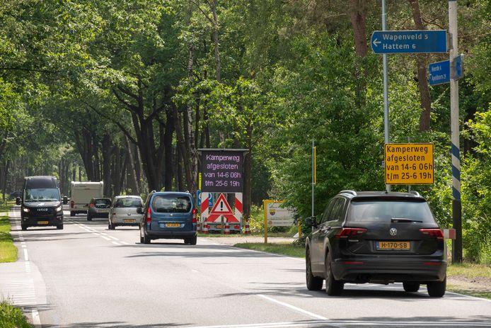 Verkeer vanuit Wezep naar Heerde wordt de komende twee weken omgeleid via Wapenveld.