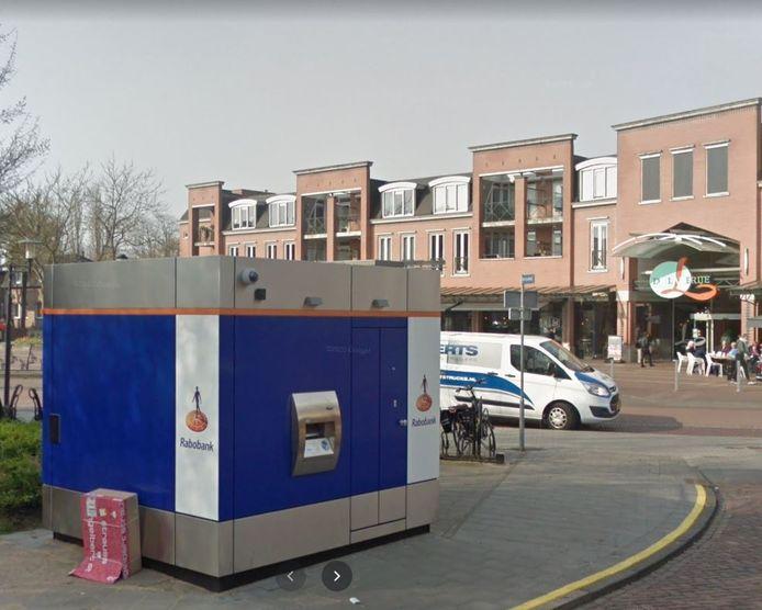 De Rabobank kiosk in Rijen tegenover De Laverije verdwijnt ook.