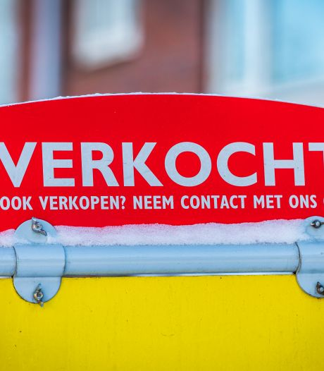 Beleggers azen op goedkope huizen en zetten starters buitenspel; in Wageningen stoppen ze zelfs briefjes in de bus