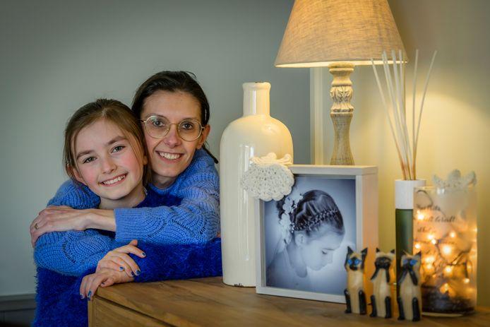 Debbie schreef het boek voor haar dochter Emma (11).