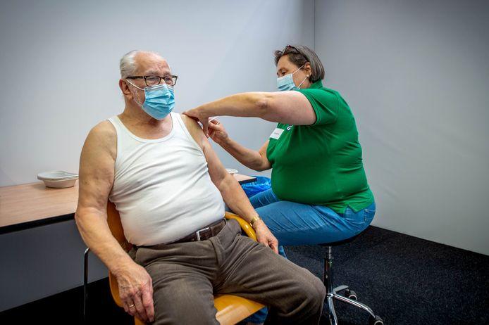 Foto van vaccineren als illustratie.