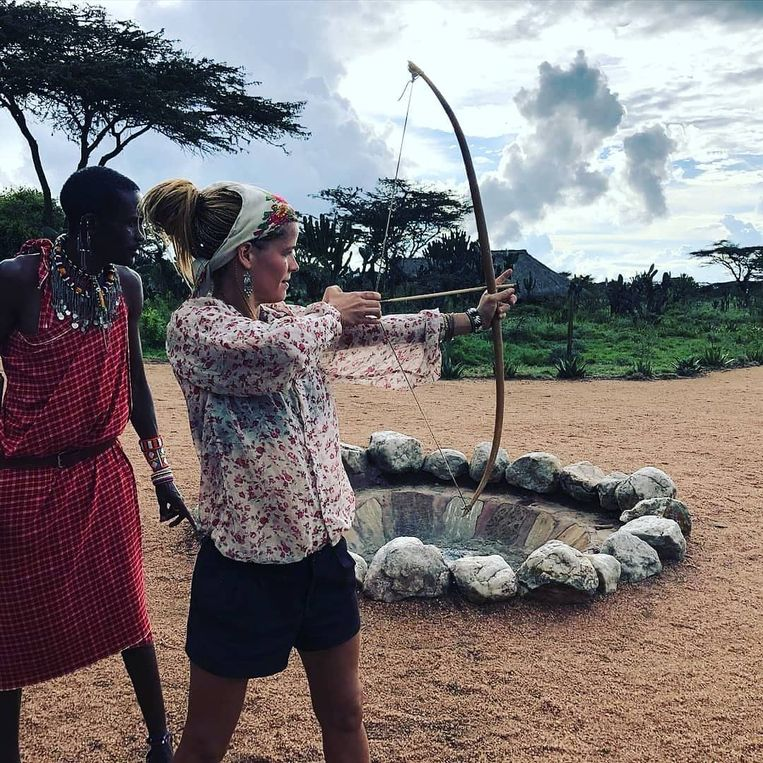 Boogschieten tijdens een krijgerstraining bij de Masai, december 2019. Beeld Tamar Valkenier