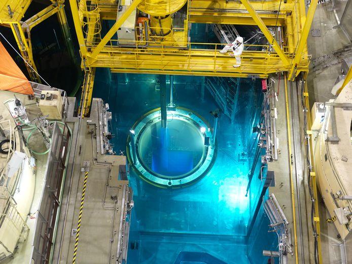 Bij de ontmanteling van de kerncentrale zal de splijtstof ter plaatse opgeslagen worden.