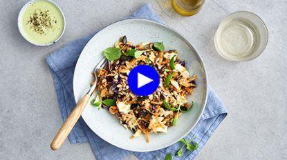 Zo maak je een licht slaatje zonder vlees dat toch lekker en voedzaam is (én heerlijk winters!)