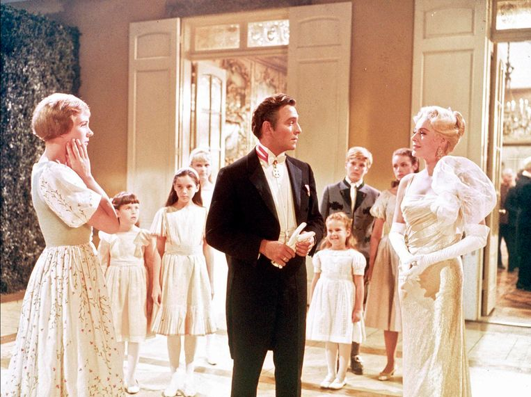 Christopher Plummer als kapitein Von Trapp in 'The Sound of Music'. Beeld RTL