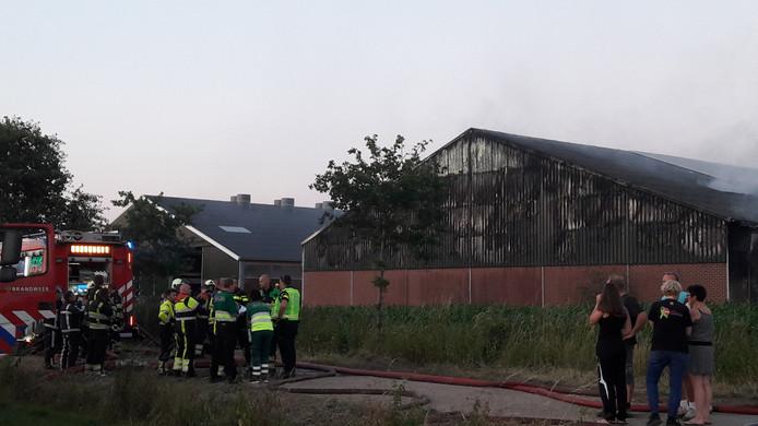 De door brand verwoeste stal in Haps.