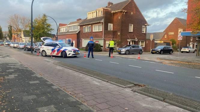 Politie zet Oude Molenweg in Hengelo af