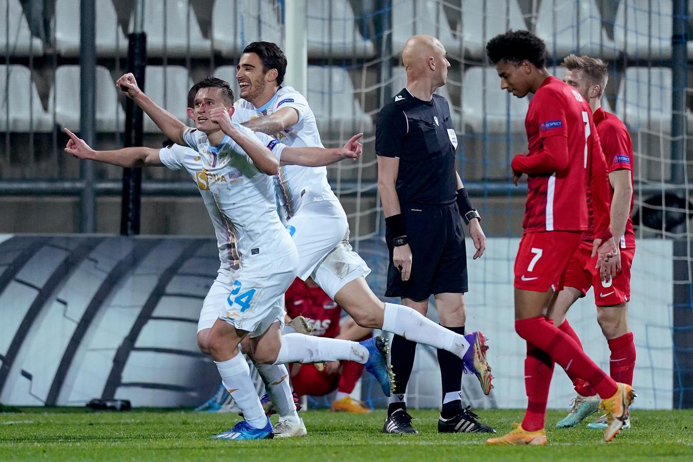 Teleurstelling bij AZ na de 2-1 van Rijeka.