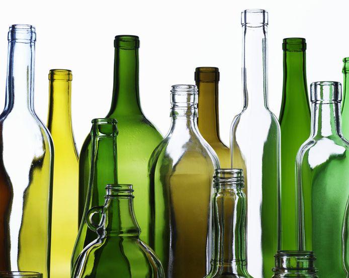 De hotelbaas trof in de keuken onder meer leeggedronken flessen aan.
