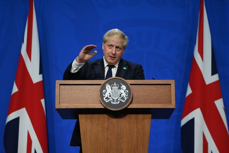 Premier Boris Johnson houdt een toespraak op 10 Downing Street.  Beeld EPA
